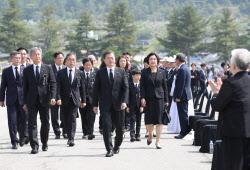 [포토] 문재인 대통령 내외, 제65회 현충일 추념식 참석