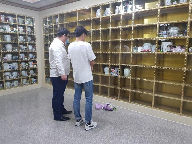 """""""최숙현에 사과 할 것 없다""""던 김도환, 납골당 찾아 뒤늦은 사죄"""
