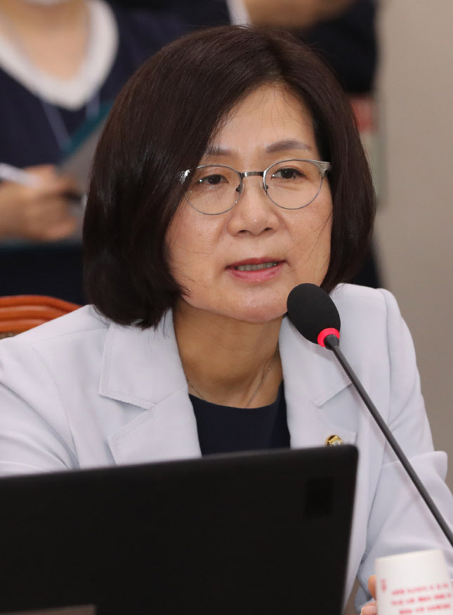"""`부천서 성고문` 당사자 권인숙 의원 """"박원순 시장까지…"""""""