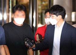 손정우 美 송환 막으려 고소·고발한 부친, 경찰 출석…수사 본격화(종합)