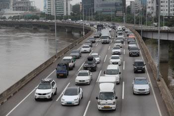 한강수위 하강…올림픽대로 염창IC~동작대교 차량통행 재개