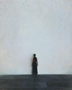 광활한 회색 앞 여인의 '면벽'…임민성 '뒷모습-형상없는 미술관'