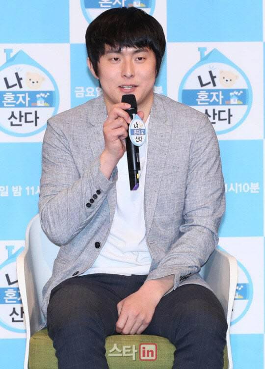 기안84, 화사·전현무 지인 능욕? '유흥업소女' 표현 논란