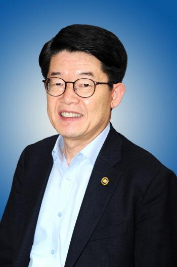 """떠나는 김양수 차관 """"해수부, 주인의식 가져달라"""""""