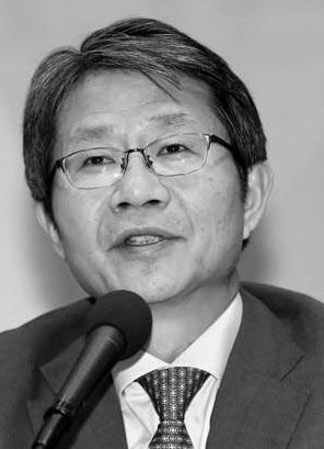 류길재 前 통일장관 별세…박근혜 정부 '통일대박론' 주도