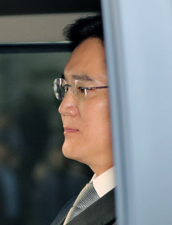 """이재용 측 '삼성생명 빼달라 요구' 보도에 """"명백한 허위, 책임 묻겠다"""""""