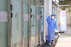 국내 재감염 의심사례 조사 중…20대 女 한달새 2번 확진