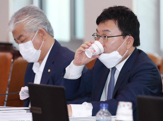 김홍걸 제명에 이상직 징계 가능성…집권여당 '명분 찾기'