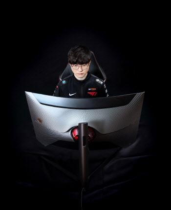 삼성, 게이밍 모니터 '오디세이 G7 T1 페이커 에디션' 출시