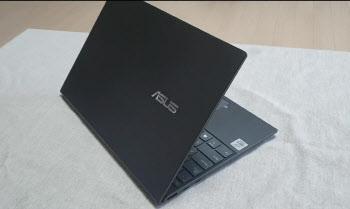 [말랑리뷰]가장 얇은 14인치 노트북, 에이수스 '젠북 UX425' 써보니(영상)