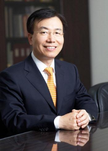 김석수 동서식품 회장, 서울대 등에 12억 규모 개인주식 기탁