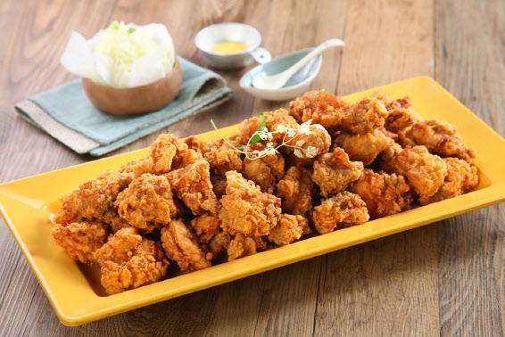 [마켓인]'알고보니 언택트 강자'…자본시장서 '날갯짓' 시작한 치킨