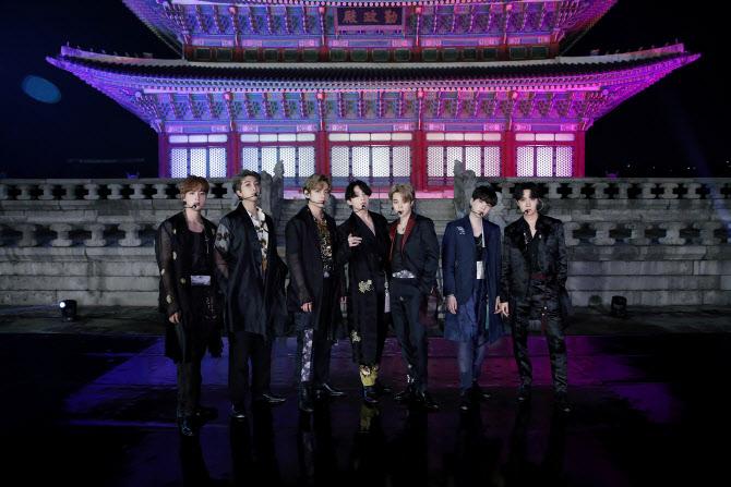 ''BTS 병역특례''로 눈길 끌려는 정치권