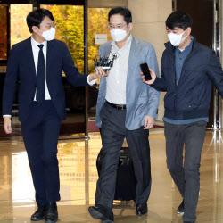 [포토]이재용 삼성 부회장, 이번엔 베트남 출장길…총리와 단독 면담