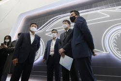 [포토]지동섭 SKI이노 대표, 배터리 기술 설명