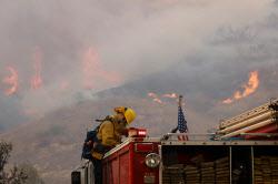 [포토] 미국 캘리포니아주 어바인에 번지는 산불