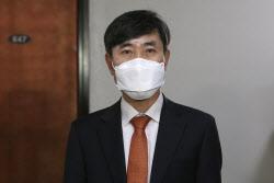 """국정원 """"김정은, 환율 급락에 평양 환전상 처형"""""""