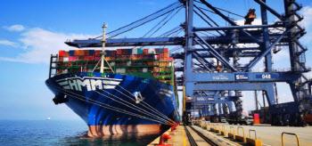 늘어나는 초대형 컨테이너선…'규모의 경제' 꾀하는 해운업계