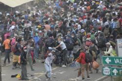 反이민 트럼프 대신 바이든이 온다…美국경 몰려드는 캐러밴들