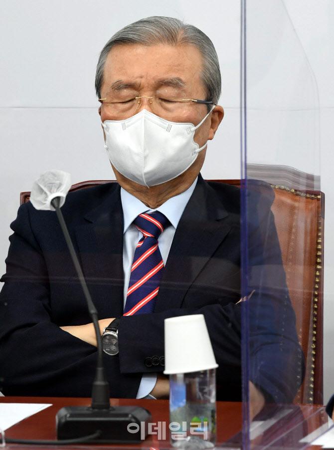 김종인, '안철수, 도의 맞지 않아...정치에도 상식이 있다.