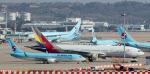 대한항공·아시아나 통합 시 50% 이상 점유 노선 32개…독과점 우려