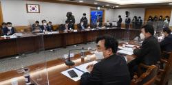 [포토] K뉴딜 지원 회의 발언하는 김진표 의원