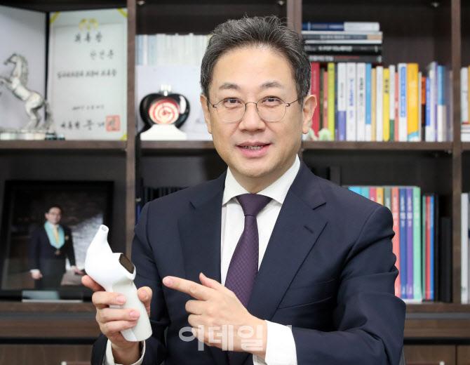 """②안건준 회장 """"호흡기 질환 치료기기 기대"""""""