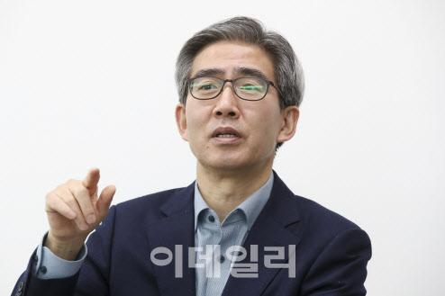 """""""한국 3대 수출국, 기후위기 대응 압박…코너몰린 韓경제"""""""