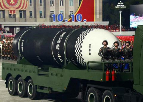 """英싱크탱크 """"北, 미사일 ICBM `최소 8대` 보유 추정"""""""