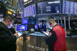 시장에 불만 지른 파월..국채금리 폭등에 증시 '와르르'