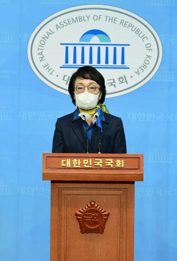 """김진애 """"尹 정치·출세욕 드러내더니…선거 국면되니 사퇴"""""""