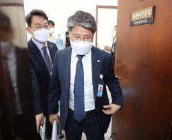 [포토]LH 임직원 투기 의혹, '이낙연 대표 면담 마친 장충모'