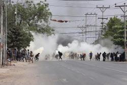 미얀마 시위대 유혈진압에 최소 149명 사망..민주진영 '내전' 가능성 거론