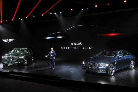 """""""중국 고급차 시장 선점""""현대 자동차, 제네시스 출범으로 매출 반등 가속화"""