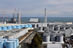 日정부 방사능 오염수 방출 결정…정부, 긴급회의 열어 대책 논의(종합)