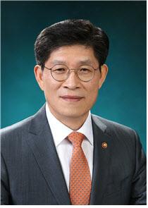 기재공무원 '롤모델' 노형욱, 국토장관 내정…김현미 학생운동 '동지'