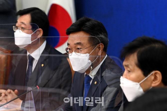 '발언하는 윤호중 비대위원장'