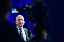 베이조스, 이틀간 아마존 주식 20억달러 팔아..왜?
