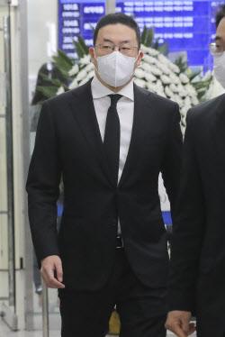 [포토]구광모 LG 회장, 故 이한동 전 국무총리 빈소 조문