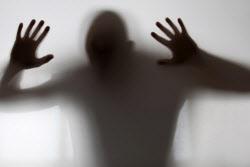 '성폭력 피해' 중학생 극단선택..피의자 영장 세번째 반려