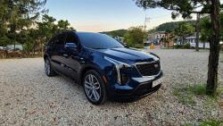 [타봤어요]젊은 캐딜락 보여준다…북미보다 저렴한 풀옵션 SUV 'XT4'