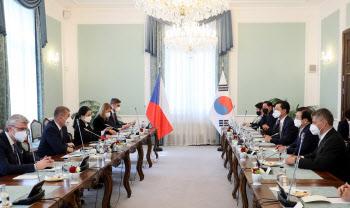 박병석, 체코 총리·상하원 의장 연쇄 회동… 원전 협력방안 논의