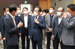 [포토] 헌혈 캠페인 참석한 이성희 농협회장