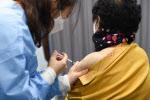 방역당국, 60세 이상 백신 감염예방효과 84%