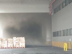 쿠팡 물류 화재 진입 곤란…50대 119구조대장 고립
