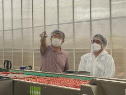 '대권 잠룡' 김동연이 토마토·양계농장을 찾은 이유