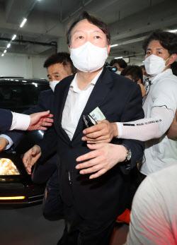 대권 도전 임박한 尹…X파일 의혹·입당 여부 `촉각`