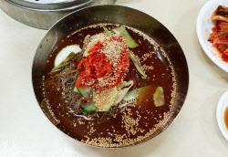 [강경록의 미식로드] 바로 만든 '막국수', 60년 묵은 손맛