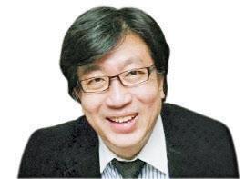 [목멱칼럼]김경수의 추락과 '적통논쟁'