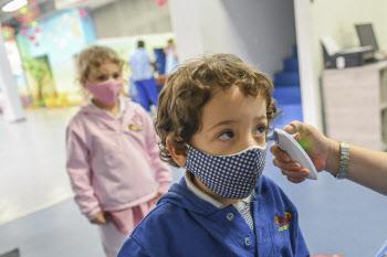 화이자·모더나, 코로나19 백신 어린이 임상시험 확대